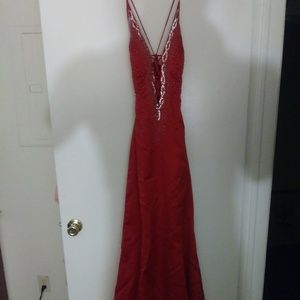 Prom / Evening Gown ..with 7 1/2 Sliver Shoe